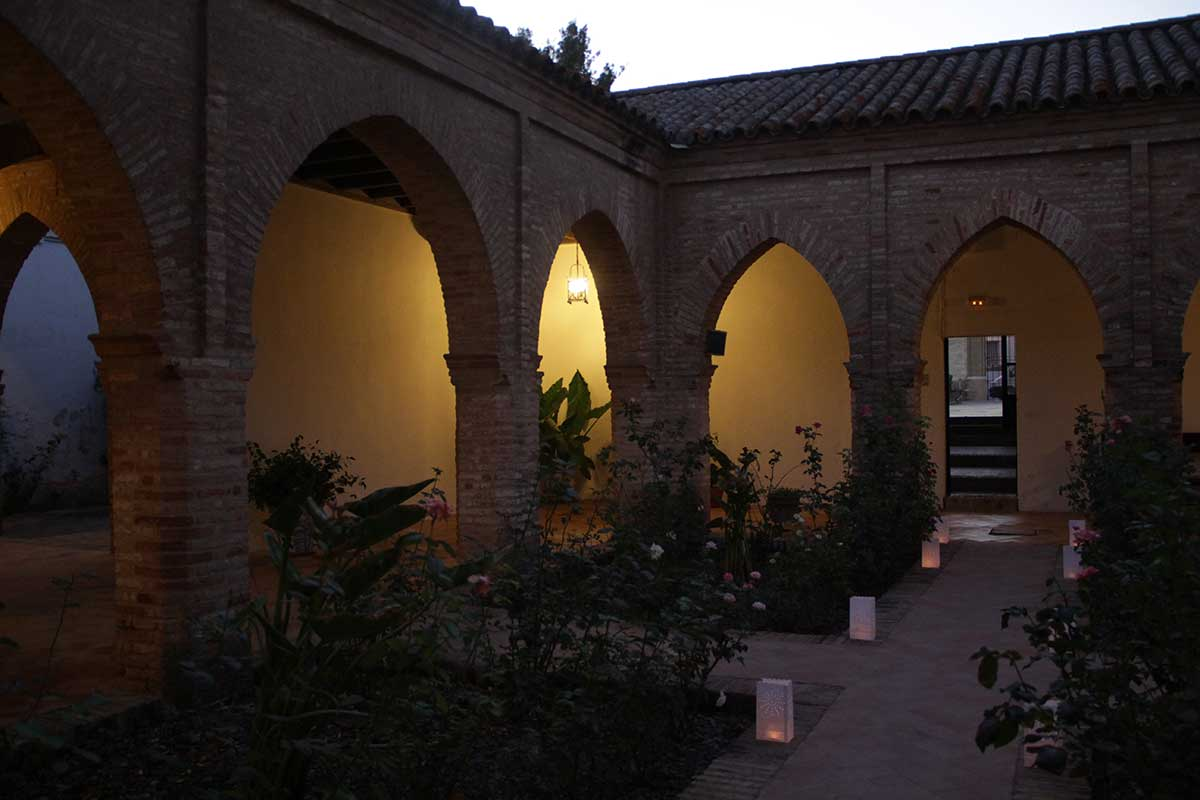 patio-interior-convento-atardecer