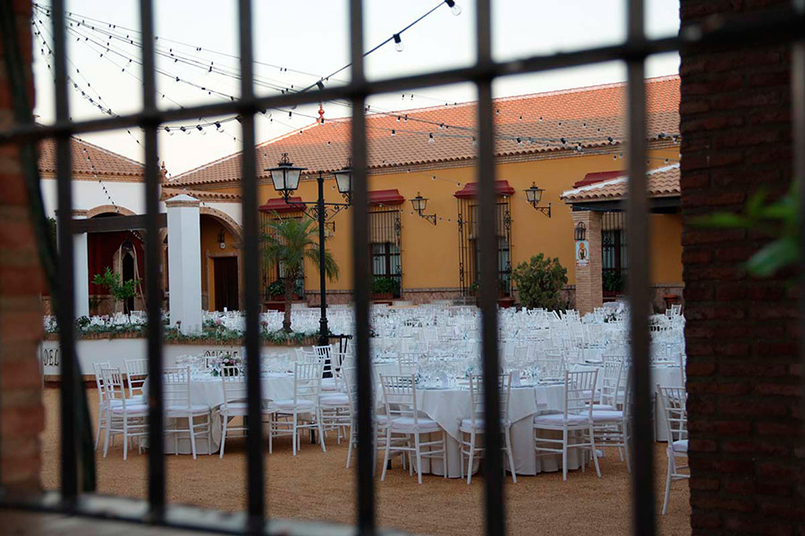patio-interior-reja-boda-el-duque