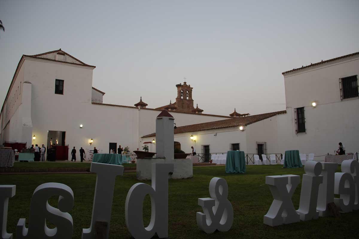 patio-jardines-recepcion-boda-santa-clara