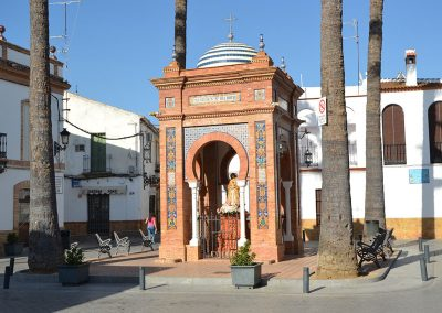 Placita monumento a la Virgen del Rocío.